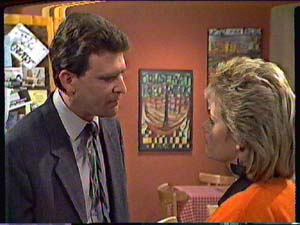 Des Clarke, Daphne Clarke in Neighbours Episode 0362
