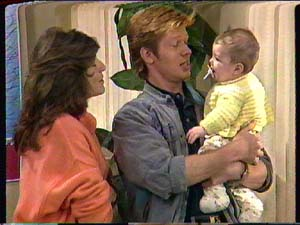 Susan Cole, Clive Gibbons, Sam Cole in Neighbours Episode 0363