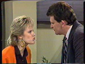 Des Clarke, Daphne Clarke in Neighbours Episode 0363
