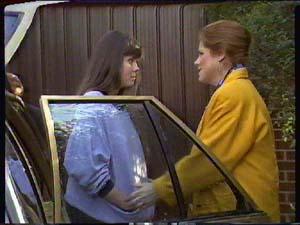 Nikki Dennison, Laura Dennison in Neighbours Episode 0363