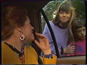 Laura Dennison, Nikki Dennison, Lucy Robinson in Neighbours Episode 0363