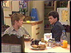 Clive Gibbons, Paul Robinson in Neighbours Episode 0363