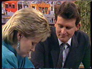 Daphne Clarke, Des Clarke in Neighbours Episode 0363
