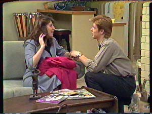 Clive Gibbons, Susan Cole in Neighbours Episode 0363