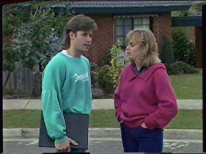 Mike Young, Jane Harris in Neighbours Episode 0364