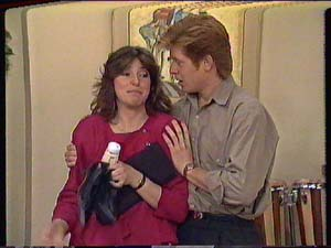 Susan Cole, Clive Gibbons in Neighbours Episode 0364