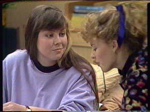 Nikki Dennison, Charlene Mitchell in Neighbours Episode 0364
