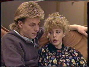 Scott Robinson, Charlene Mitchell in Neighbours Episode 0364