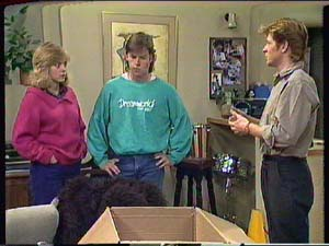 Jane Harris, Mike Young, Clive Gibbons in Neighbours Episode 0364