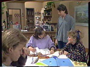 Nikki Dennison, Charlene Mitchell, Warren Murphy, Scott Robinson in Neighbours Episode 0364