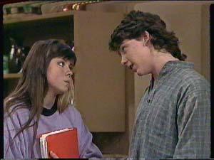 Nikki Dennison, Warren Murphy in Neighbours Episode 0364