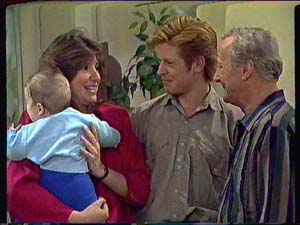 Sam Cole, Susan Cole, Clive Gibbons, Ted Gibbons in Neighbours Episode 0365
