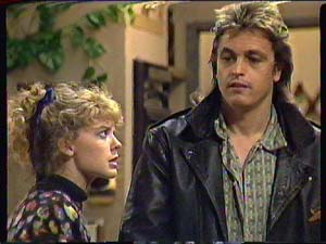 Charlene Mitchell, Shane Ramsay in Neighbours Episode 0365
