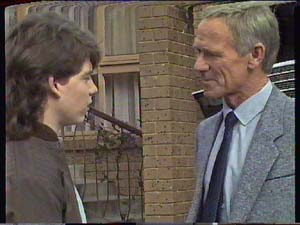 Warren Murphy, Ray Murphy in Neighbours Episode 0365