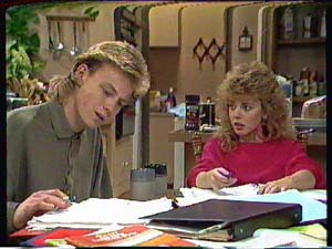 Scott Robinson, Charlene Mitchell in Neighbours Episode 0365