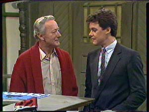 Ted Gibbons, Paul Robinson in Neighbours Episode 0365