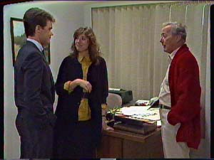 Paul Robinson, Susan Cole, Ted Gibbons in Neighbours Episode 0366