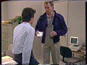 Paul Robinson, Jim Robinson in Neighbours Episode 0366