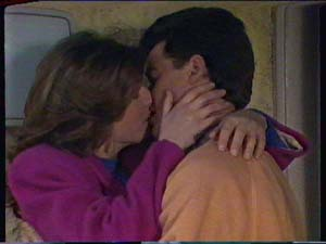 Susan Cole, Paul Robinson in Neighbours Episode 0366