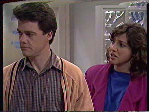 Susan Cole, Paul Robinson in Neighbours Episode 0367
