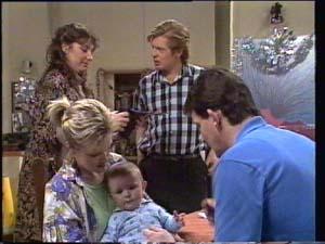 Susan Cole, Clive Gibbons, Daphne Clarke, Sam Cole, Des Clarke in Neighbours Episode 0398