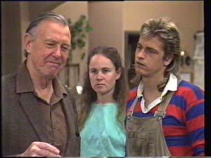 Dan Ramsay, Kelly Morgan, Shane Ramsay in Neighbours Episode 0398