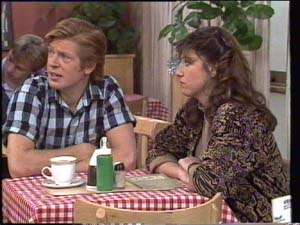 Clive Gibbons, Susan Cole in Neighbours Episode 0398