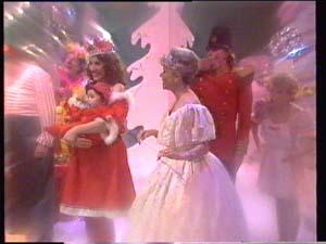 Susan Cole, Sam Cole, Helen Daniels, Scott Robinson, Charlene Mitchell in Neighbours Episode 0400