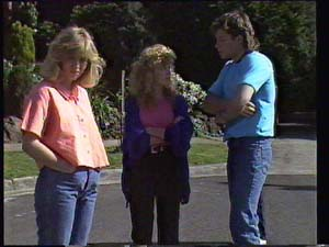 Charlene Mitchell, Jane Harris, Mike Young in Neighbours Episode 0401