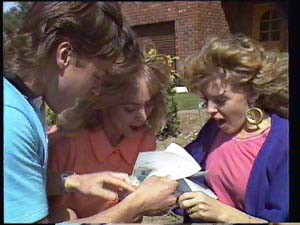 Mike Young, Jane Harris, Charlene Mitchell in Neighbours Episode 0401