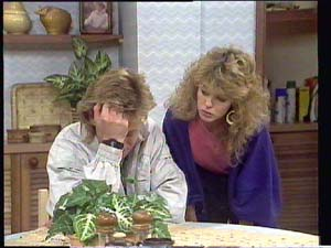 Scott Robinson, Charlene Mitchell in Neighbours Episode 0401