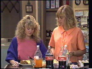 Jane Harris, Charlene Mitchell in Neighbours Episode 0401