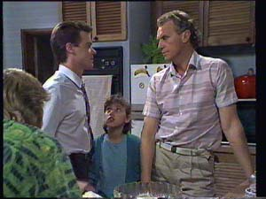 Scott Robinson, Paul Robinson, Lucy Robinson, Jim Robinson in Neighbours Episode 0403