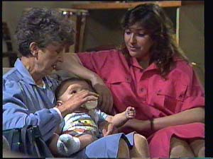Sam Cole, Susan Cole, Nell Mangel in Neighbours Episode 0403
