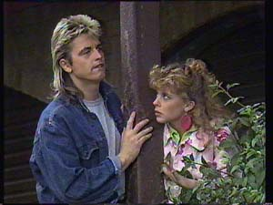 Shane Ramsay, Charlene Mitchell in Neighbours Episode 0404