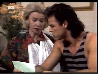 Helen Daniels, Wayne Duncan in Neighbours Episode 2099