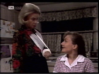 Helen Daniels, Debbie Martin in Neighbours Episode 2099
