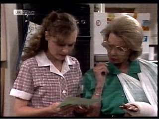 Debbie Martin, Helen Daniels in Neighbours Episode 2099