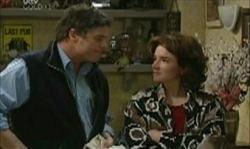 Lyn Scully, Joe Scully in Neighbours Episode 3912