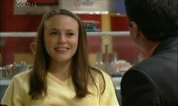 Libby Kennedy in Neighbours Episode 3912