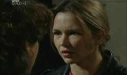 Lyn Scully, Steph Scully in Neighbours Episode 3913