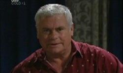Lou Carpenter in Neighbours Episode 3918