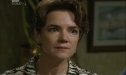 Lyn Scully in Neighbours Episode 3918