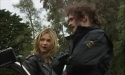 Steph Scully, Mitch Foster in Neighbours Episode 3918