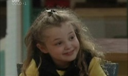 Louise Carpenter (Lolly) in Neighbours Episode 3918