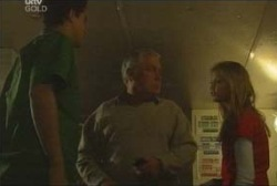 Matt Hancock, Lou Carpenter, Felicity Scully in Neighbours Episode 3922