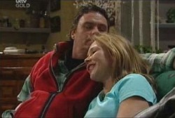 Joe Scully, Steph Scully in Neighbours Episode 3923