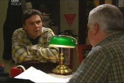 Lou Carpenter, Joe Scully in Neighbours Episode 3929
