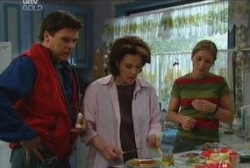 Joe Scully, Lyn Scully, Steph Scully in Neighbours Episode 3935