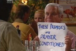 Lou Carpenter in Neighbours Episode 3935